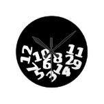Números caidos divertidos relojes de pared