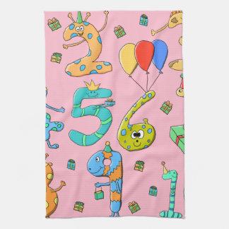 Números de la fiesta de cumpleaños, en rosa toalla de cocina