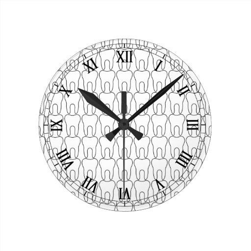 Números romanos clásicos del en punto del diente relojes