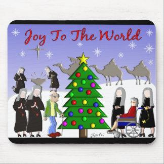 Nun Art Christmas Scene Gifts Mouse Pad