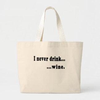 Nunca bebo… la camiseta o la cerveza genérica Stei Bolsas De Mano