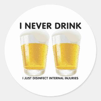 Nunca bebo… pegatina redonda