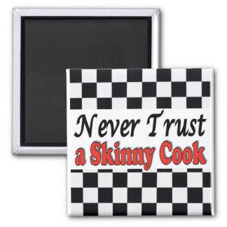 Nunca confíe en a un cocinero flaco imán cuadrado
