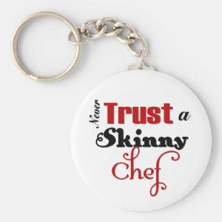 Nunca confíe en a un cocinero flaco llavero redondo tipo pin