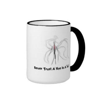 Nunca confíe en a un hombre en una taza de Slender