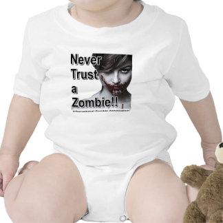 Nunca confíe en a un zombi traje de bebé