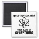 Nunca confíe en un átomo iman