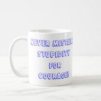 Nunca confunda… taza de café