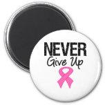 Nunca dé para arriba (el cáncer de pecho) imanes de nevera