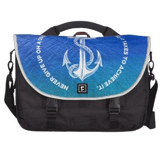 Nunca dé para arriba en el ancla azul ideal del bolsas de portátil