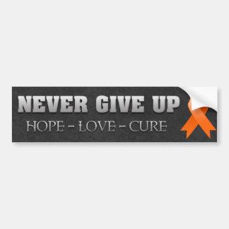 Nunca dé para arriba la conciencia de la leucemia etiqueta de parachoque