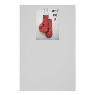 Nunca dé para arriba los guantes de boxeo inmóvile  papeleria de diseño