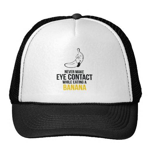 Nunca haga el contacto visual mientras que come un gorros