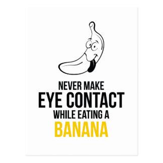 Nunca haga el contacto visual mientras que come un postal