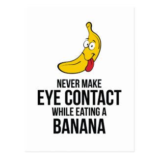 Nunca haga el contacto visual mientras que come un tarjetas postales