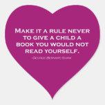 Nunca hágale una regla para dar a un niño un libro pegatina en forma de corazón