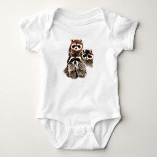Nunca hay demasiado animal lindo de los mapaches body para bebé