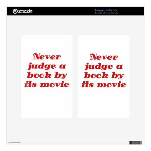 Nunca juzgue un libro por su película pegatina skin para kindle fire