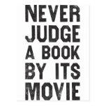 Nunca juzgue un libro por su película postales