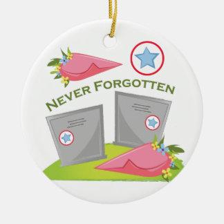 Nunca olvidado adorno navideño redondo de cerámica