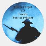Nunca olvide a nuestras tropas - últimas o pegatina redonda