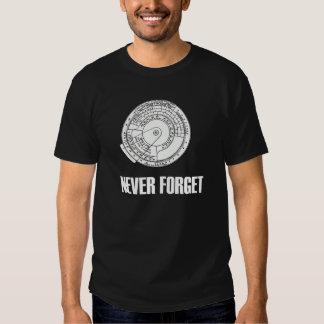 Nunca olvide la camiseta de la oscuridad de la playeras