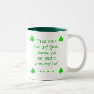 Nunca planche un trébol de la cuatro-hoja…. tazas de café