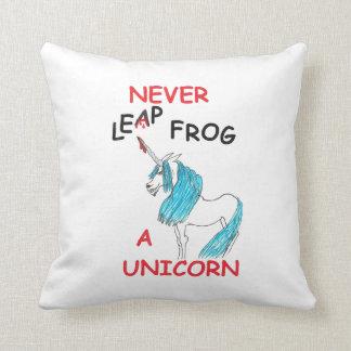 nunca salte una almohada de Mojo del americano del Cojín Decorativo