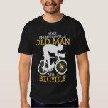 Nunca subestime al viejo hombre de la bicicleta poleras