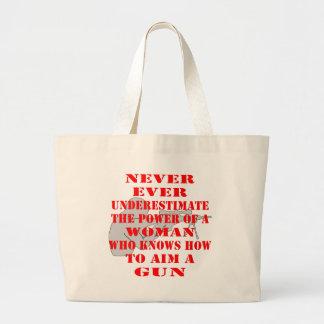 Nunca subestime el poder de una mujer que sepa bolsa