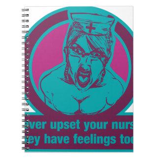¡Nunca trastorne a su enfermera, ellos tienen Libreta Espiral