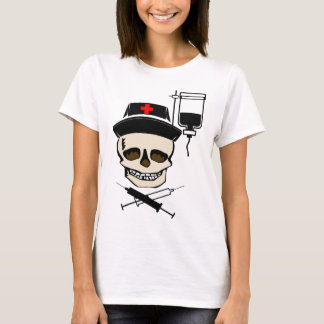NURSE JOLLY ROGER PIRATE WITH IV BOTTLE T-Shirt
