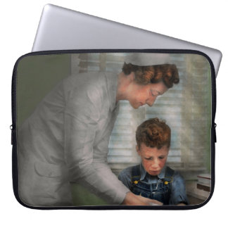 Nurse - Mending spirits 1939 Laptop Sleeve