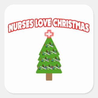 Nurses Love Christmas Round Sticker