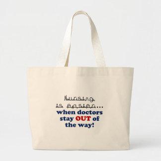 Nursing - Let me do my job Tote Bags