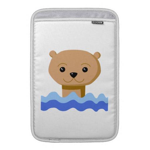 Nutria de la natación funda para macbook air