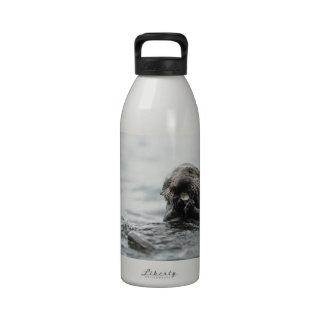 Nutria de mar botellas de agua reutilizables