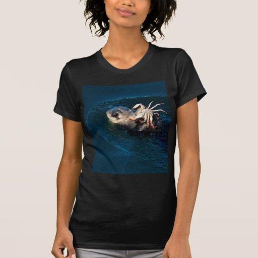 Nutria de mar camisetas