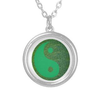 NVN27 navinJOSHI Green Balance YIN YANG Chinese Round Pendant Necklace