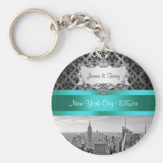 NY City Skyline BW B3 Damask F2 - Keychain