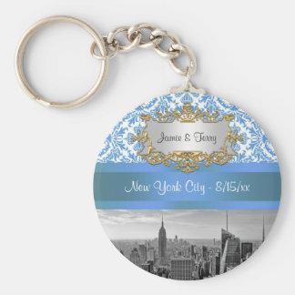 NY City Skyline D4 Customizable Invitation Suite Keychain