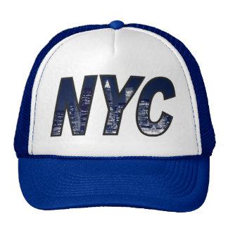 NYC con el horizonte de Manhattan en las luces de  Gorro