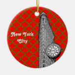 NYC Flatiron que construye Navidad roja de Grn Adorno Navideño Redondo De Cerámica