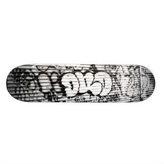 'NYC Graffiti' Skateboard