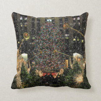 NYC Rockefeller Center Xmas Tree Falling Snow Throw Pillow