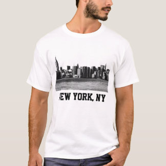 NYC Skyline ESB, East River View 001 T-Shirt