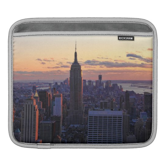 NYC Skyline just before sunset Sleeve For iPads