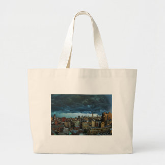 NYC Skyline: Scary massive derecho storm cloud Canvas Bags