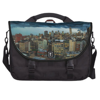 NYC Skyline: Scary massive derecho storm cloud Laptop Messenger Bag