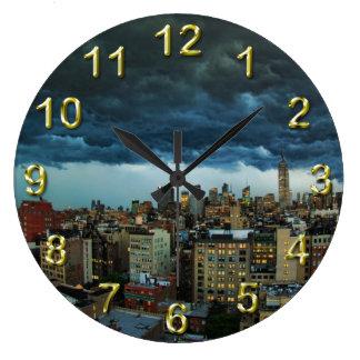 NYC Skyline: Scary massive derecho storm cloud Large Clock